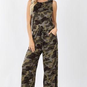 Camouflage Sleeveless Jumpsuit